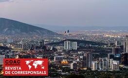 Foto de Monterrey de nit.
