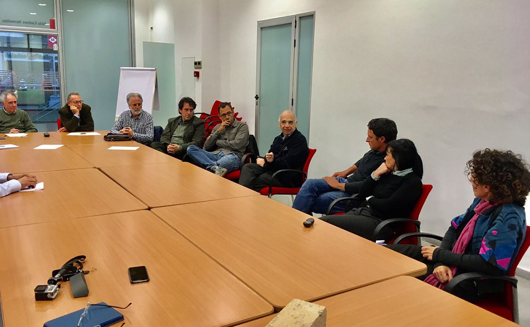 La innovació en la construcció amb materials naturals centra la sessió del Grup de Treball de Sants-Montjuïc